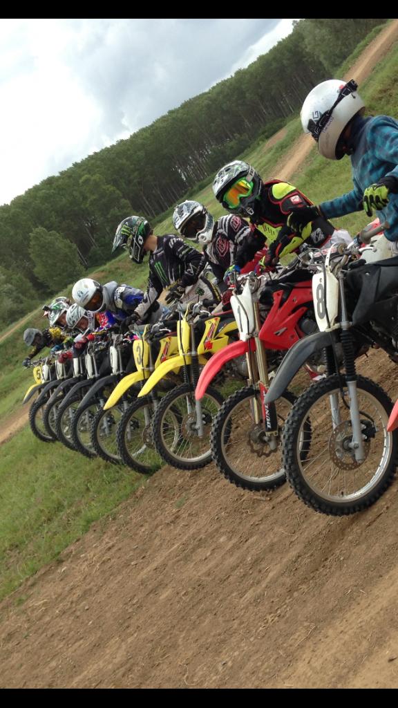Initiation en moto-tout-terrain avec Noel Michel bees moto